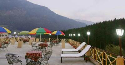 Snow Valley Resort Manali Rooftop Restaurant